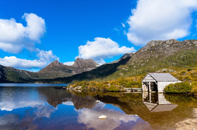 Dove Lake Circuit Walk in Tasmania Cradle Mountain National Park